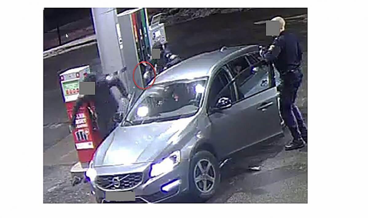 gripande-avid-bil-bensinstataion